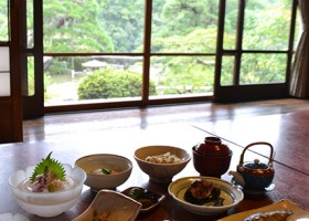 京亭の食事