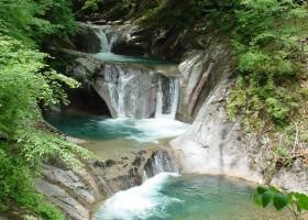 七ッ釜五段の滝(夏)西沢渓谷